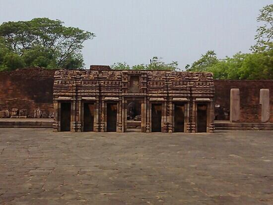Excavated Buddhist site, Ratnagiri